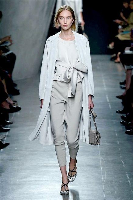 Footwear, Shoulder, Fashion show, Joint, Outerwear, Runway, Style, Fashion model, Fashion, Street fashion,