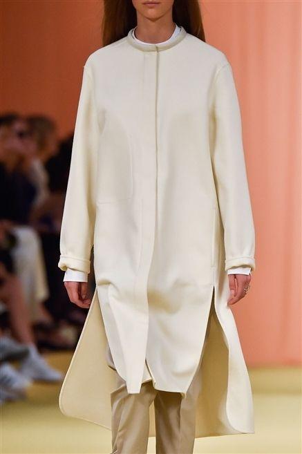 Sleeve, Shoulder, Fashion show, Textile, Joint, Outerwear, Fashion model, Fashion, Runway, Beige,
