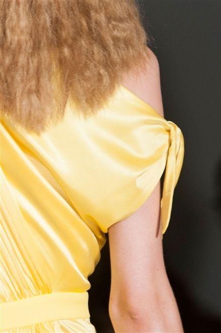 Yellow, Shoulder, Joint, Orange, Back, Neck, Brown hair, Blond, Waist, Long hair,