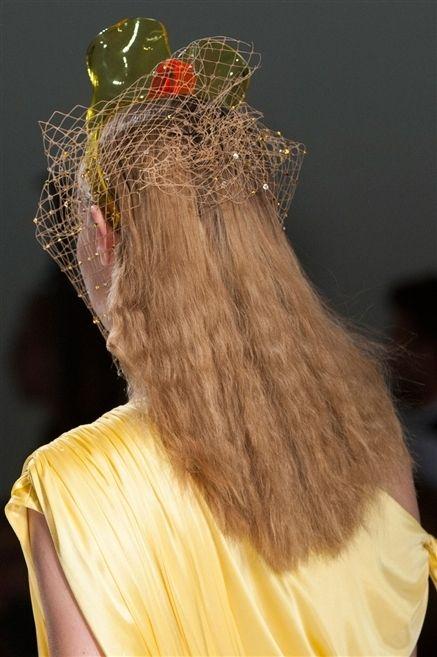 Yellow, Headpiece, Headgear, Hair accessory, Costume accessory, Fashion, Costume design, Costume, Fashion design,