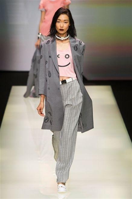 Fashion show, Shoulder, Outerwear, Runway, Coat, Fashion model, Style, Fashion, Street fashion, Blazer,