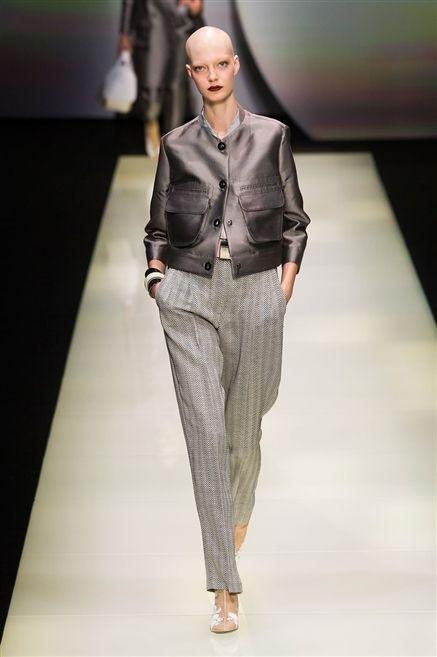 Fashion show, Shoulder, Joint, Runway, Collar, Style, Fashion model, Waist, Fashion, Model,