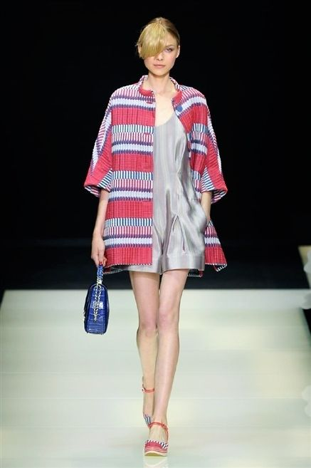 Clothing, Fashion show, Sleeve, Human leg, Shoulder, Runway, Joint, Outerwear, Red, Style,