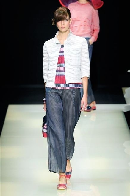 Clothing, Fashion show, Shoulder, Shirt, Textile, Runway, Joint, Outerwear, Style, Fashion model,