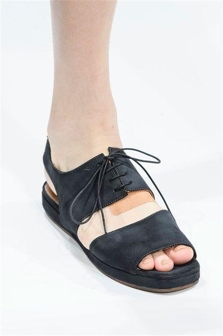 Brown, Human leg, Shoe, Joint, Tan, Foot, Beige, Leather, Toe, Dress shoe,
