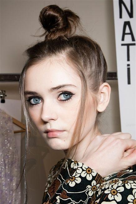 Hair, Ear, Hairstyle, Chin, Forehead, Eyelash, Eyebrow, Style, Beauty, Fashion,