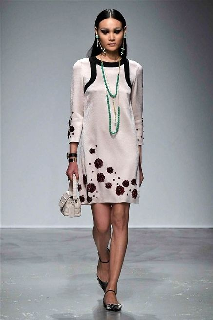 Clothing, Shoulder, Fashion show, Joint, White, Dress, Jewellery, Fashion accessory, Style, Bag,