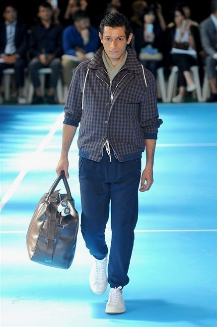 Blue, Leg, Trousers, Shoulder, Shirt, Textile, Fashion show, Outerwear, Bag, Style,