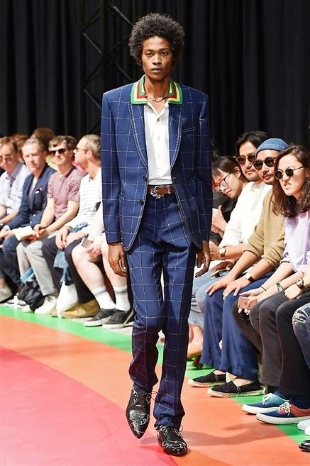 Clothing, Footwear, Trousers, Event, Fashion show, Shirt, Outerwear, Runway, Style, Coat,