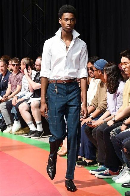 Clothing, Footwear, Leg, Trousers, Human body, Event, Denim, Shirt, Fashion show, Outerwear,