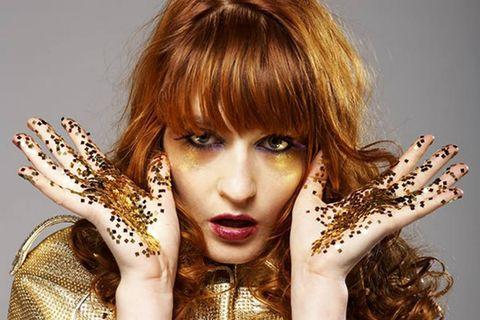 Finger, Lip, Hairstyle, Eyelash, Bangs, Wrist, Beauty, Nail, Photography, Blond,
