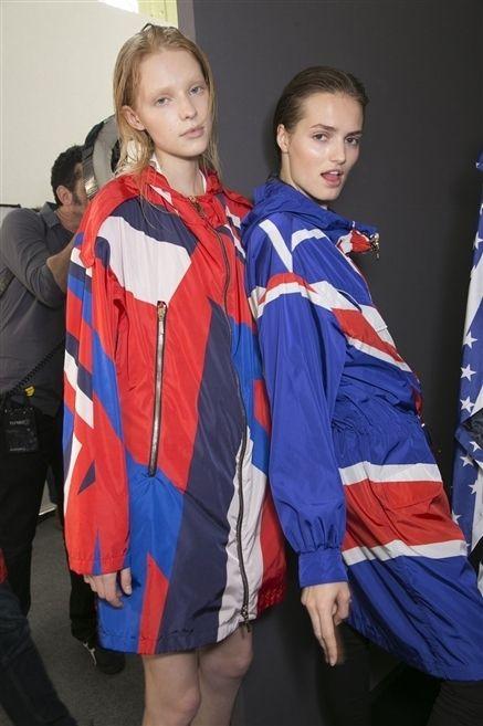Sleeve, Uniform, Electric blue, Cobalt blue, Flag, Fashion design, Costume design, Silk, Tights,