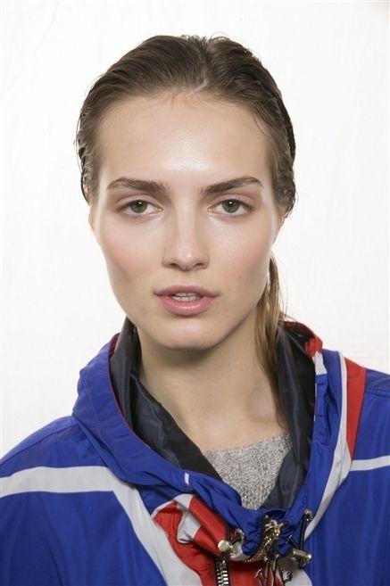 Lip, Hairstyle, Eye, Chin, Forehead, Eyebrow, Eyelash, Jaw, Iris, Electric blue,