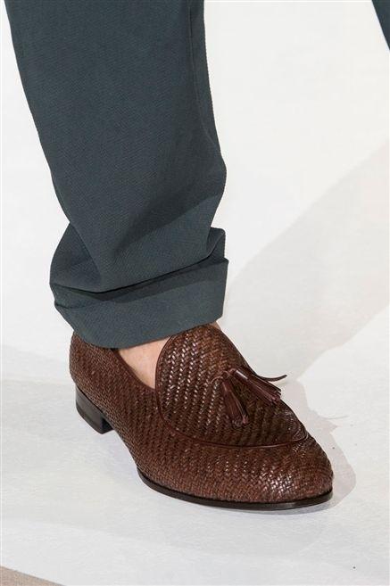 Footwear, Brown, Human leg, Joint, Fashion, Tan, Black, Beige, Foot, Leather,