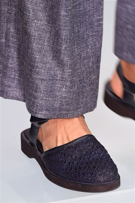 Textile, Style, Fashion, Grey, Tan, Natural material, Fashion design, Foot, Costume accessory, Ankle,