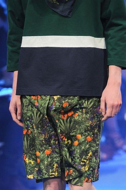 Clothing, Sleeve, Pattern, Fashion, Bag, Electric blue, Street fashion, Sweater, Waist, Pocket,