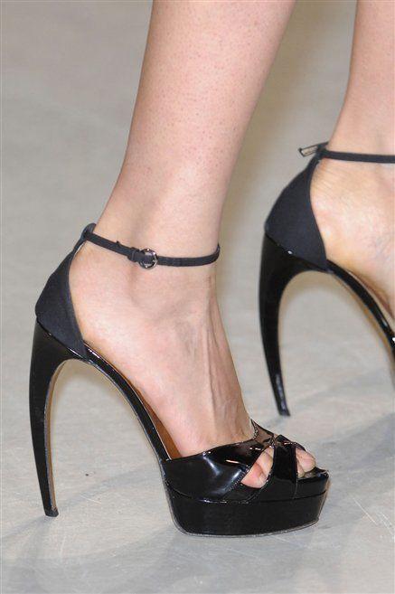 Footwear, Leg, High heels, Human leg, Shoe, Sandal, Joint, Foot, Toe, Basic pump,