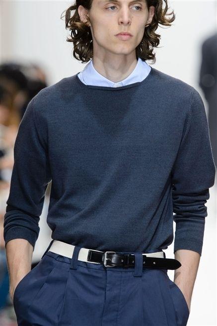 Sleeve, Shoulder, Joint, Style, Collar, Waist, Fashion model, Fashion, Neck, Belt,