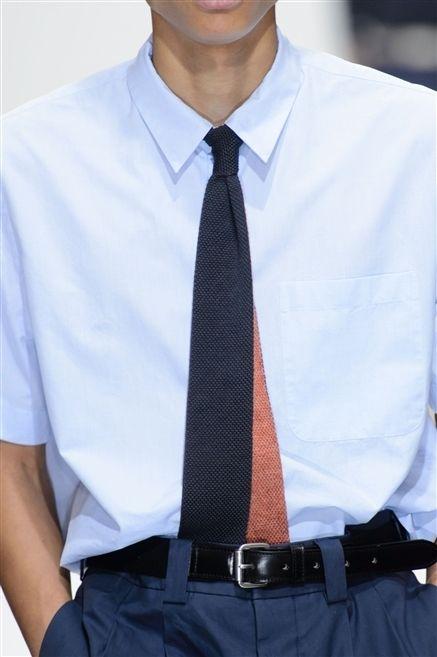 Clothing, Dress shirt, Collar, Sleeve, Trousers, Shoulder, Shirt, Standing, Joint, Pocket,