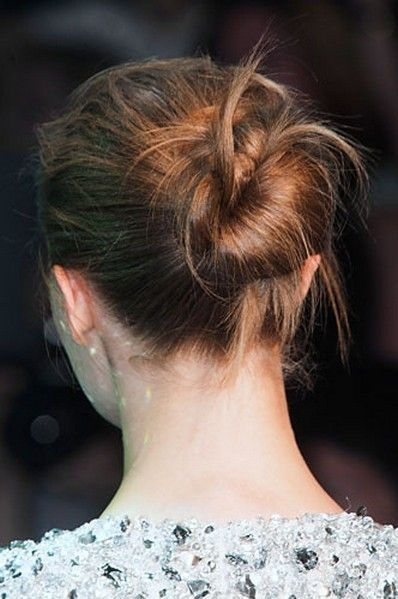 Ear, Hairstyle, Shoulder, Style, Back, Temple, Neck, Brown hair, Long hair, Hair coloring,