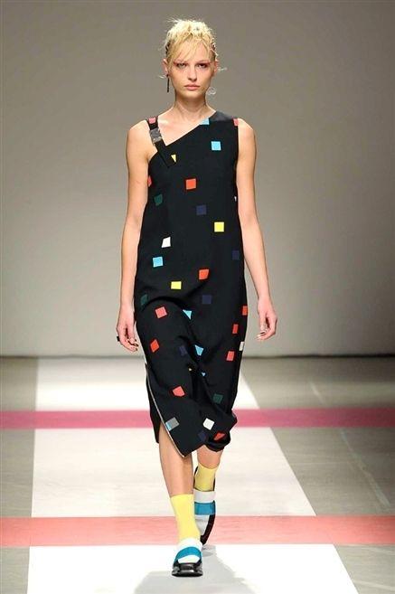 Clothing, Fashion show, Shoulder, Dress, Human leg, Joint, Fashion model, Waist, Style, One-piece garment,