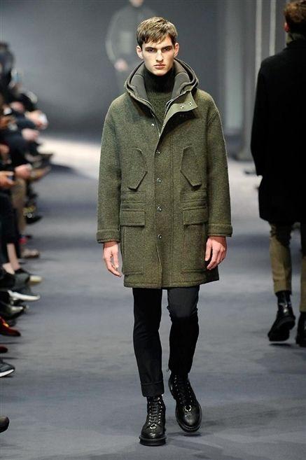 Clothing, Footwear, Human, Fashion show, Winter, Sleeve, Human body, Joint, Outerwear, Runway,