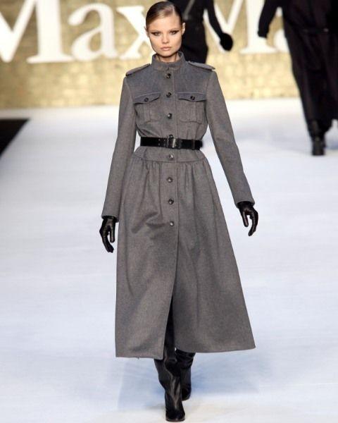 Clothing, Sleeve, Shoulder, Fashion show, Joint, Outerwear, Fashion model, Style, Waist, Fashion,