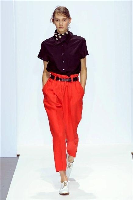 Collar, Sleeve, Shoulder, Shirt, Textile, Standing, Joint, Waist, Dress shirt, Style,