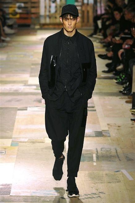 Sleeve, Cap, Outerwear, Standing, Style, Street fashion, Jacket, Fashion, Fashion model, Blazer,