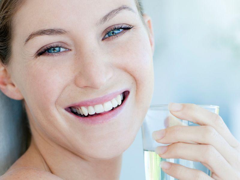 Acqua e limone la mattina: tutti i benefici
