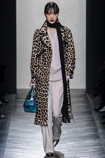 Outerwear, Style, Fashion show, Fashion accessory, Street fashion, Bag, Fashion, Winter, Fashion model, Runway,