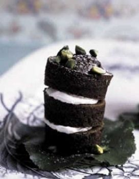 Sweetness, Photograph, Food, Cuisine, Ingredient, Dessert, Black, Recipe, Cake, Dish,