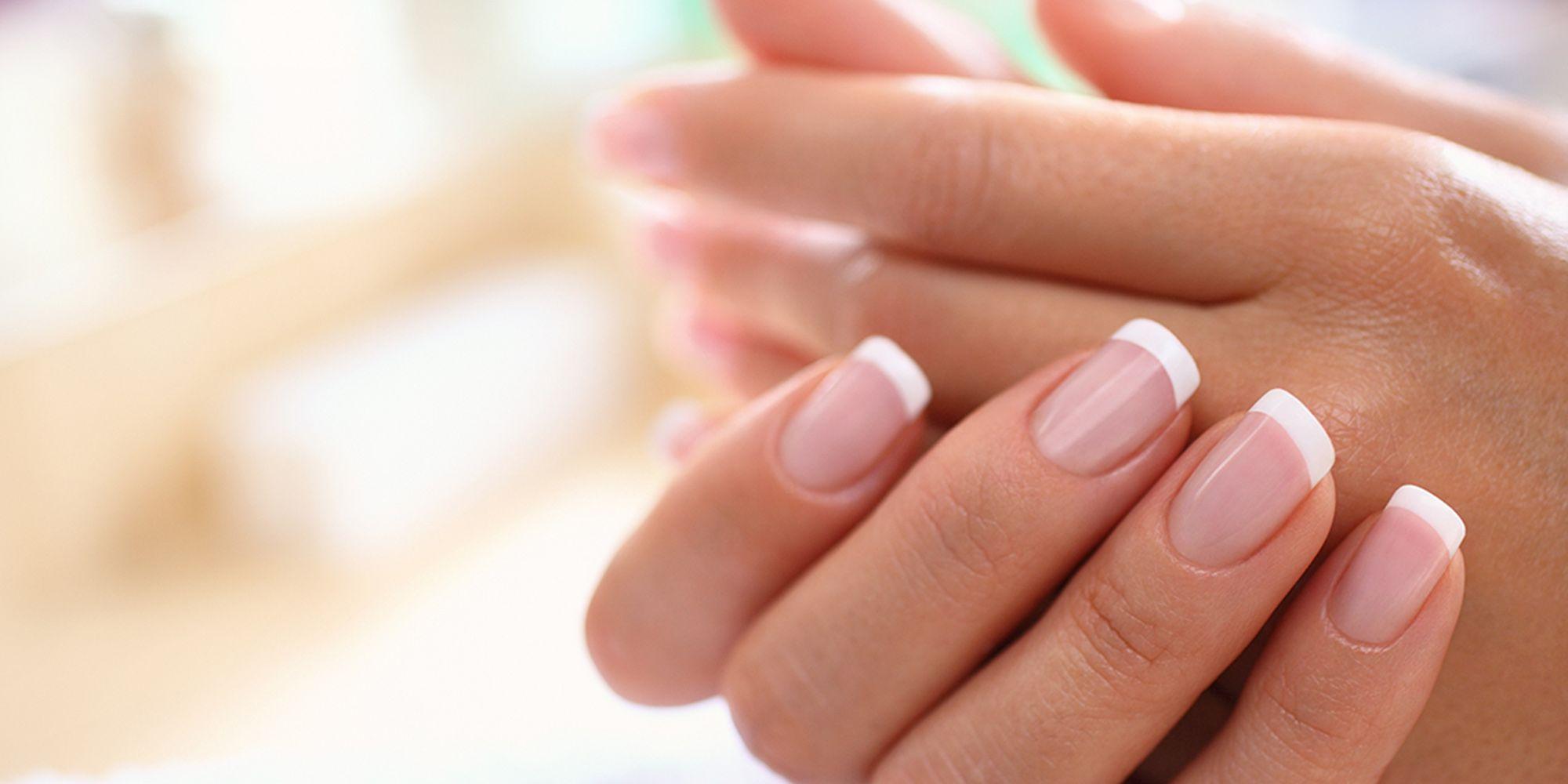 Top Unghie a french manicure: ecco come realizzarla (belissimo) da sole RP09