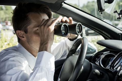 Eyewear, Motor vehicle, Automotive design, Automotive mirror, Dress shirt, Steering part, Steering wheel, Glass, Luxury vehicle, Rear-view mirror,