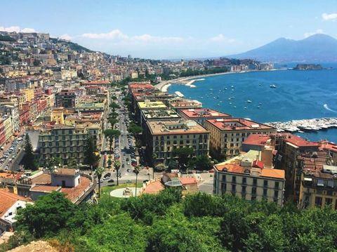 Weekend A Napoli Nei Luoghi Raccontati Da Elena Ferrante