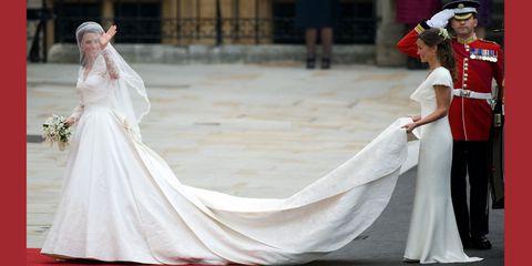 65442b4bc53d Gli abiti da sposa delle principesse ci hanno fatto sempre sognare.  Dall abito da sposa di Grace Kelly diventato un icon dress per tutte le  spose di ieri e ...