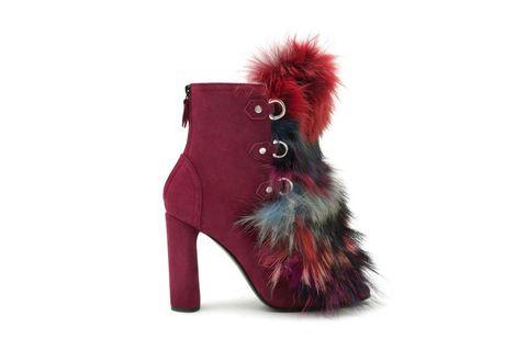 <p>Il boots con dettagli di pelo colorato, Casadei</p>