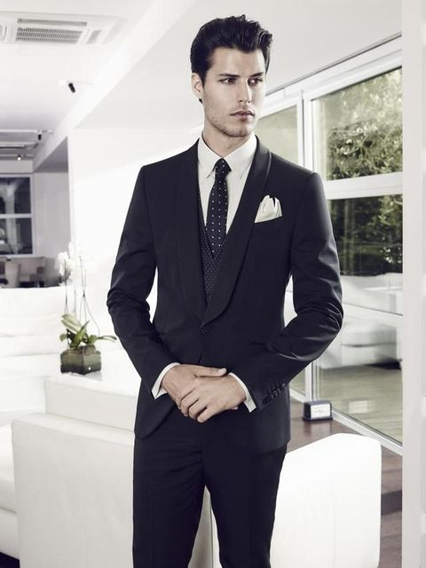 Clothing, Dress shirt, Collar, Sleeve, Trousers, Coat, Suit trousers, Shirt, Standing, Outerwear,