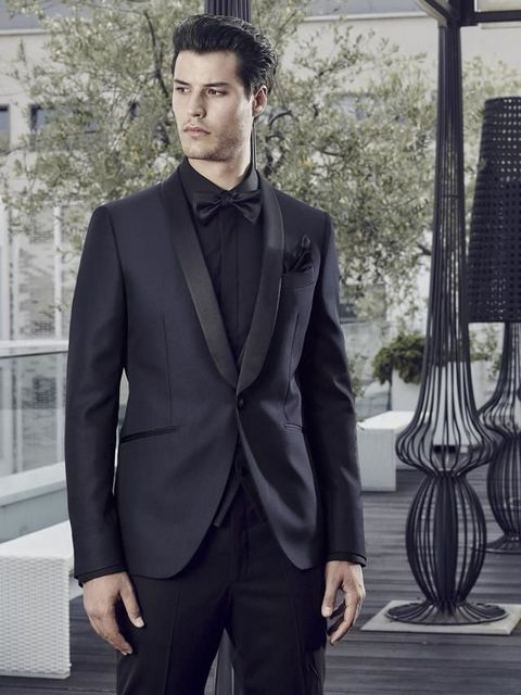 Clothing, Collar, Sleeve, Trousers, Coat, Dress shirt, Suit trousers, Standing, Outerwear, Formal wear,