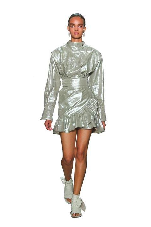 nuovi stili 0f1ad 08c6f Look anni 80, 23 outfit glam dalle sfilate per la primavera ...