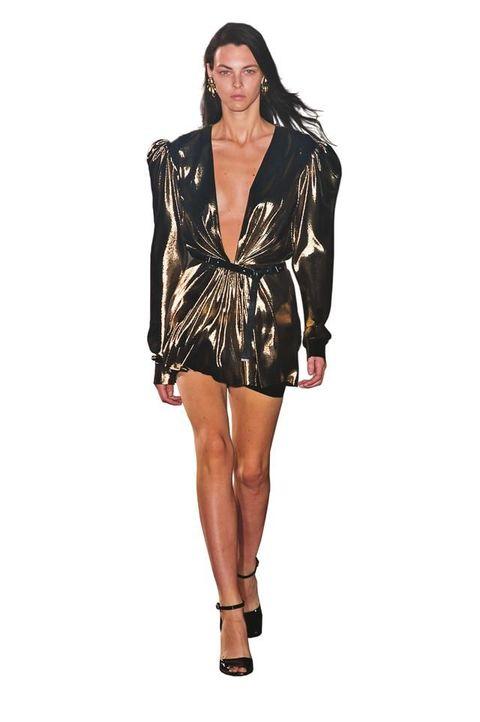 new styles afa4b 43ecd Look anni 80, 23 outfit glam dalle sfilate per la primavera ...