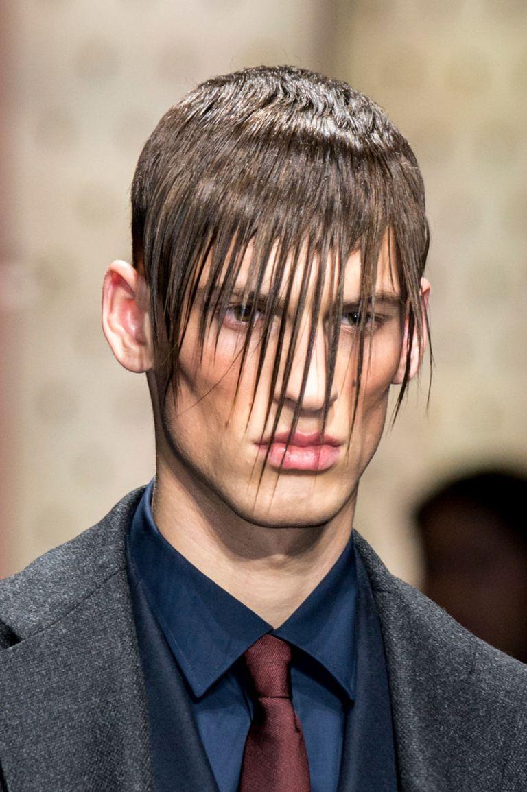 Capelli corti uomo: la frangia protagonista dei tagli moda ...