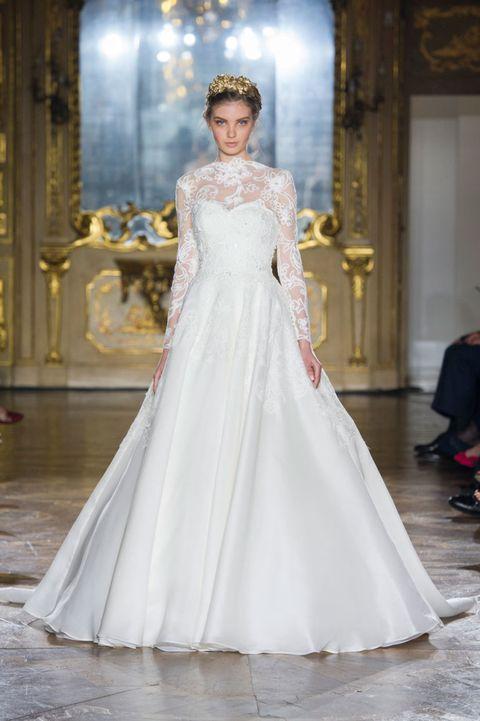 Clothing, Sleeve, Shoulder, Bridal clothing, Textile, Dress, Wedding dress, Formal wear, Gown, Floor,
