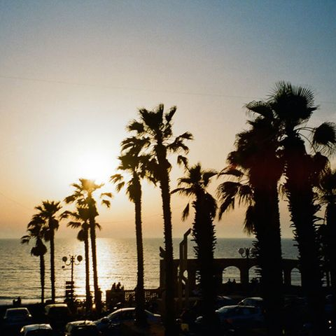 """<p>Godetevi il tramonto nelle tranquille e isolate spiagge di Ajami vicine al vecchio porto di Jaffa. Noi andiamo lì quando vogliamo uscire dal caos e dalla folla che si trova nelle spiagge del centro città.</p><p><em data-redactor-tag=""""em"""" data-verified=""""redactor"""">Near Harry Truman St, Jaffa</em></p>"""