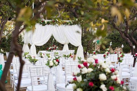 Petal, Floristry, Flower Arranging, Decoration, Floral design, Bouquet, Ceremony, Cut flowers, Linens, Rose,