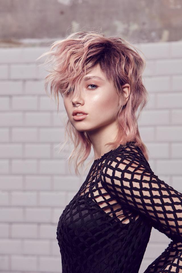 Taglio medio capelli mossi