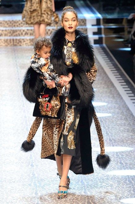 Sfilata Dolce   Gabbana – Autunno Inverno 2017-2018 Milano 1ceb9a206c6