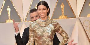 Jessica Biel Justin Timberlake photobombing on the Oscars 2017 red carpet