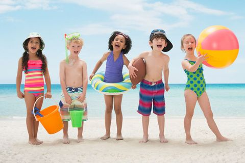 People on beach, Fun, Vacation, Summer, Beach, Spring break, Leisure, Friendship, Playing with kids, Tourism,