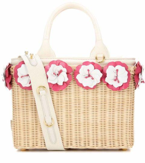9a67517533 12 borse di paglia di moda per l'estate 2017 da non portare in spiaggia